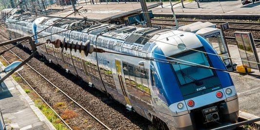 Non à la mort du train et du service public